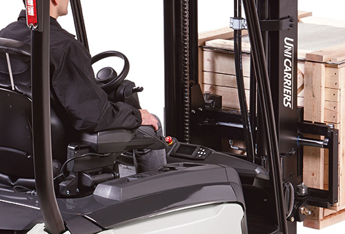 The extra-low dashboard on the UniCarriers MX electric counterbalance truck