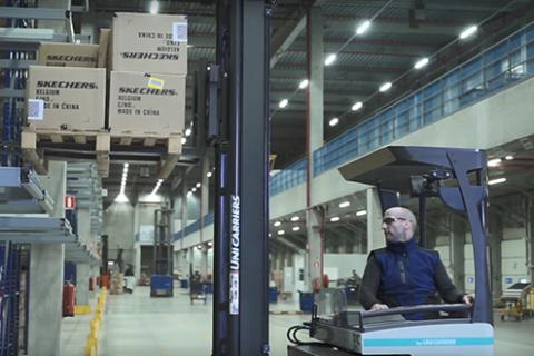 A reach truck working in Skechers' EDC